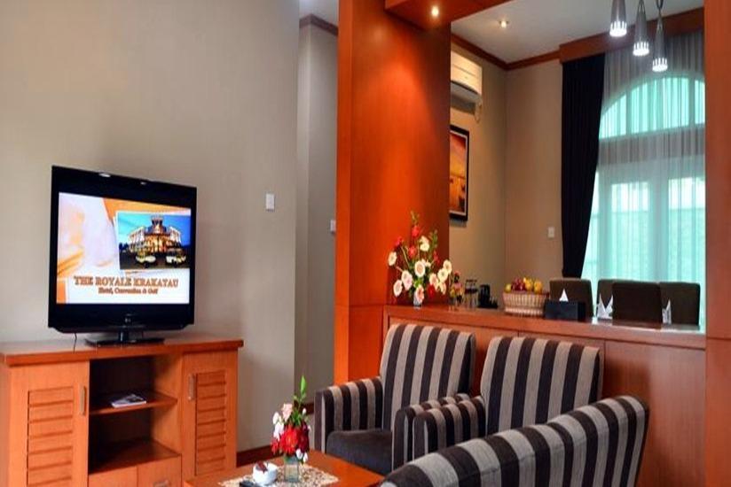 The Royale Krakatau Hotel Cilegon - Ruang tamu