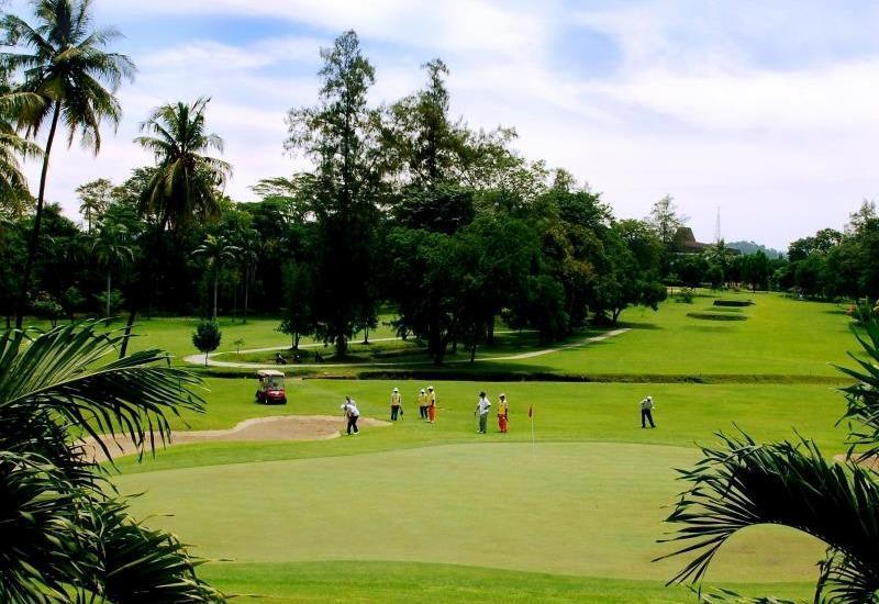 The Royale Krakatau Hotel Cilegon - Golf