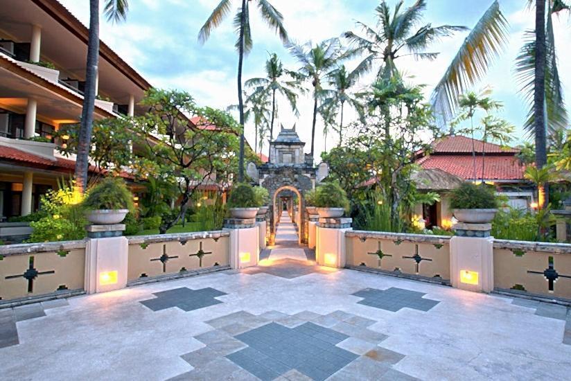 Radisson Bali Tanjung Benoa - Garden Gate