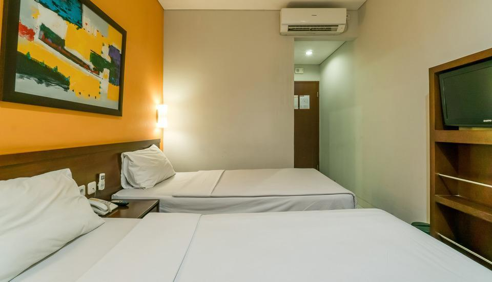 Sofyan Hotel Soepomo Tebet - Standard Room With Breakfast Regular Plan