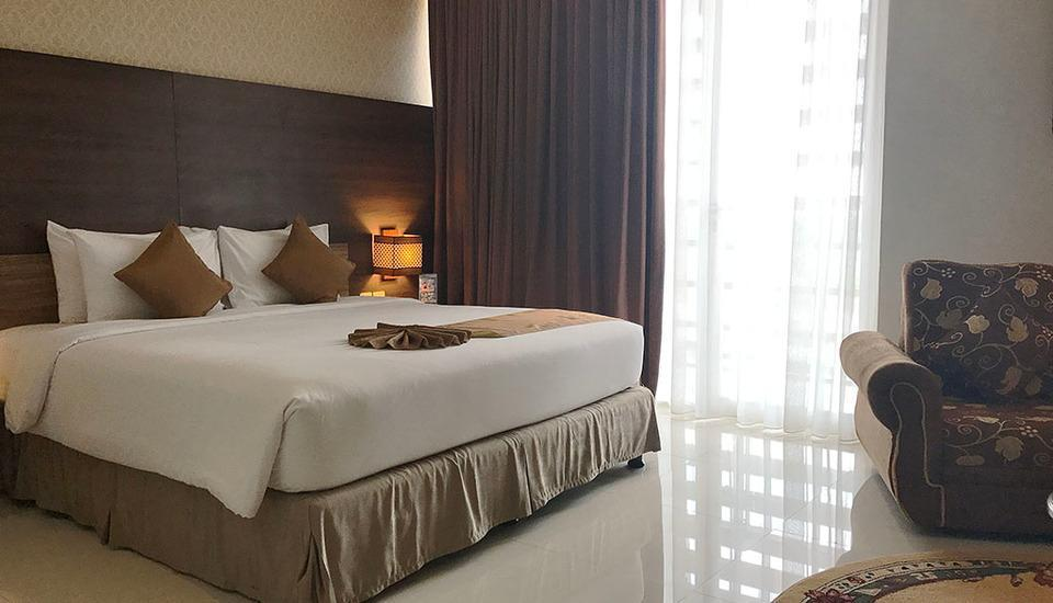 Crystal Lotus Hotel Yogyakarta - Deluxe Double or Twin Room Only Regular Plan