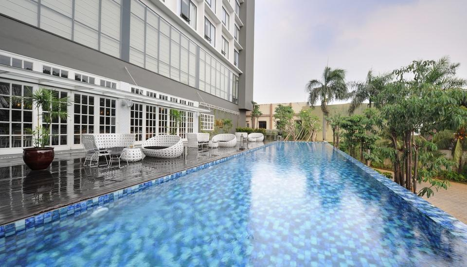 Veranda Hotel Pakubuwono - Kolam Renang