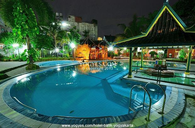 Hotel Batik Yogyakarta - Kolam Renang