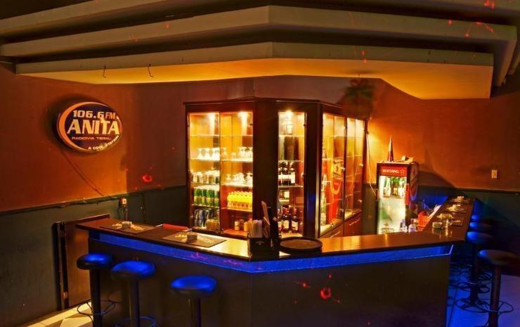 Karlita Hotel Tegal - Bar