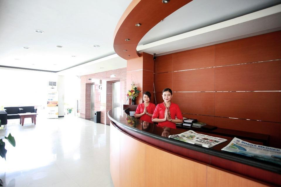 Karlita Hotel Tegal - Reception