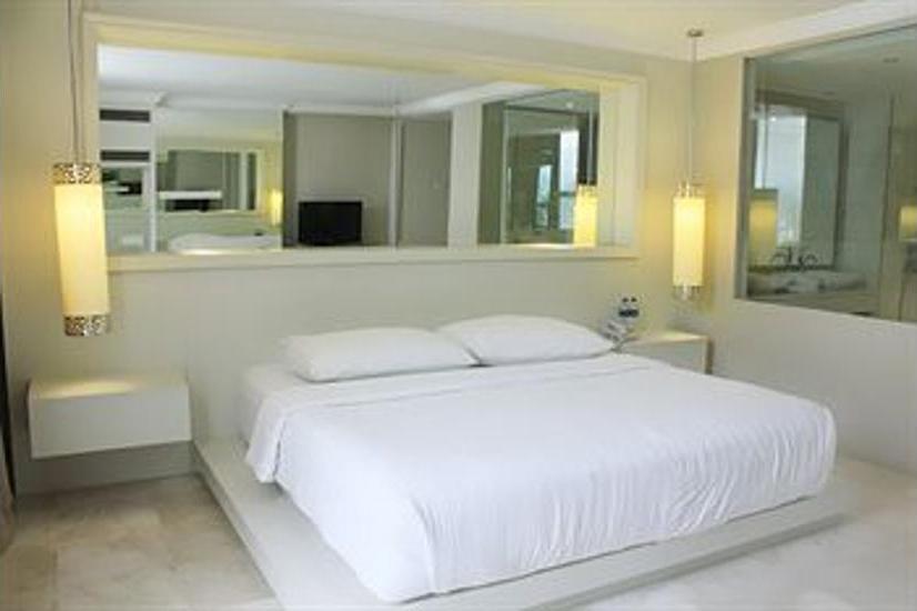 Hotel Istana Permata Ngesong Surabaya - Featured Image