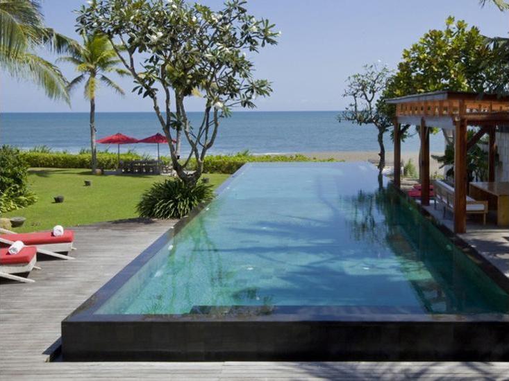 Villa Sound of The Sea Bali - Infinity Pool