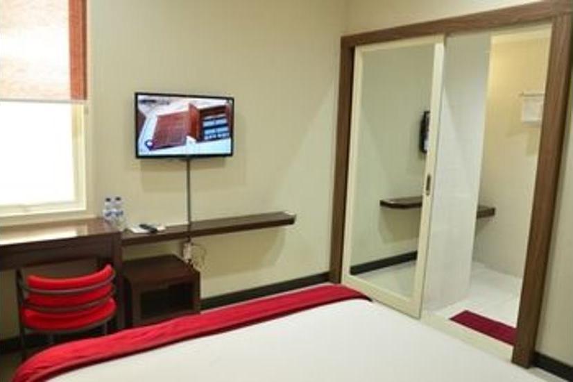 Chiaro Hotel Sidoarjo - Kamar Superior Pesan lebih awal dan hemat 27%