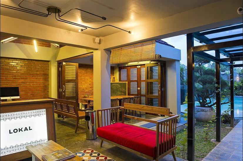 Lokal Hotel Yogyakarta - Check-in/Check-out Kiosk