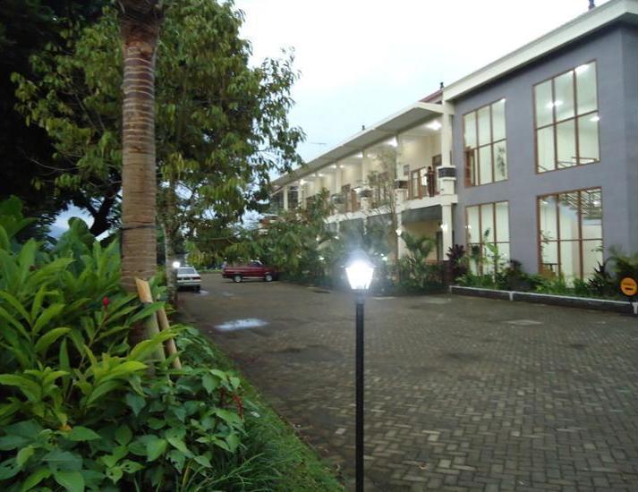 Selorejo Hotel & Resort Malang - Garden View