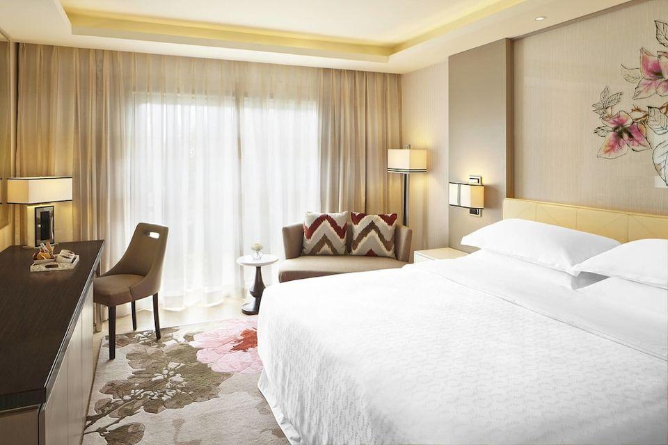 Sheraton Bandung Hotel and Towers Bandung - Deep Soaking Bathtub