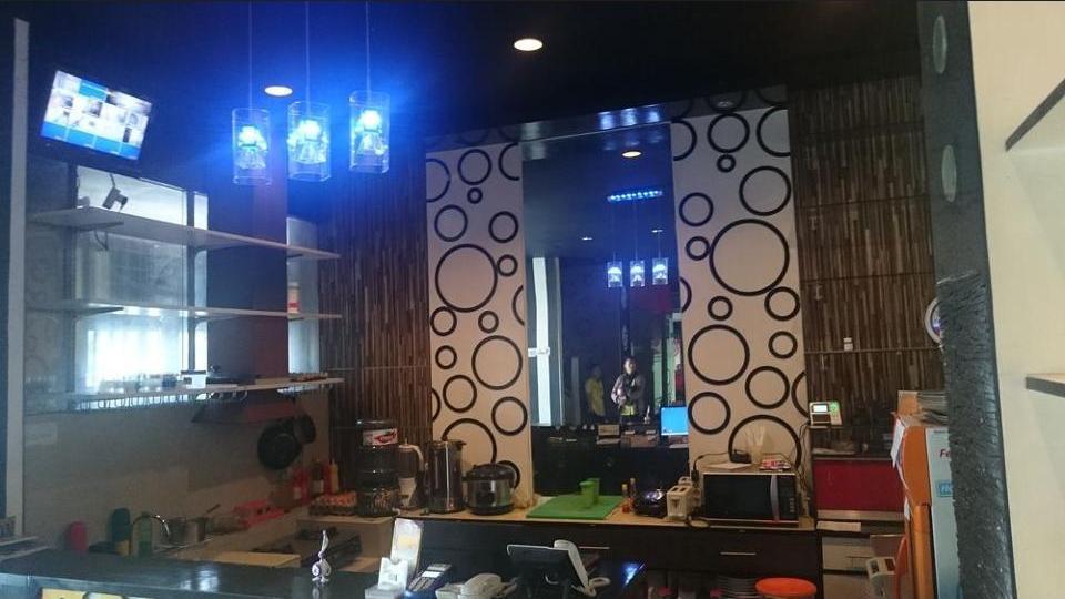 International Homestay Surabaya - Lobby