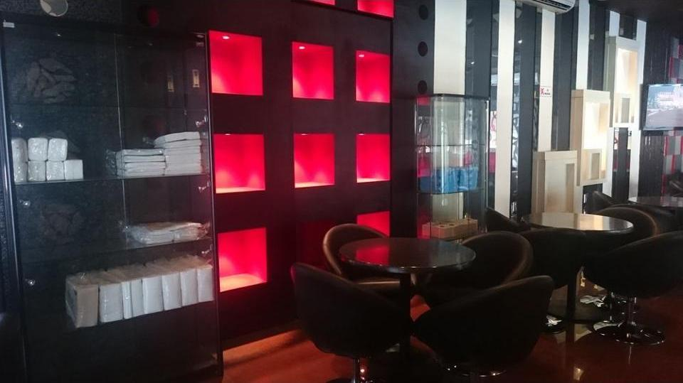 International Homestay Surabaya - Lobby Sitting Area