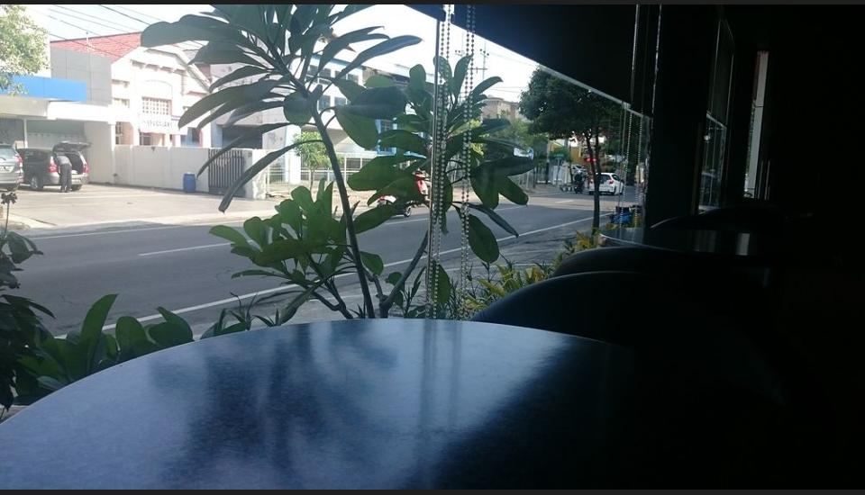 International Homestay Surabaya - Street View
