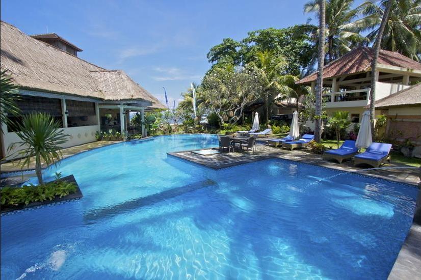 Bayshore Villas Candi Dasa - Outdoor Pool