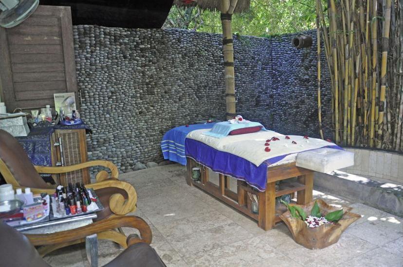 Bayshore Villas Candi Dasa - Treatment Room