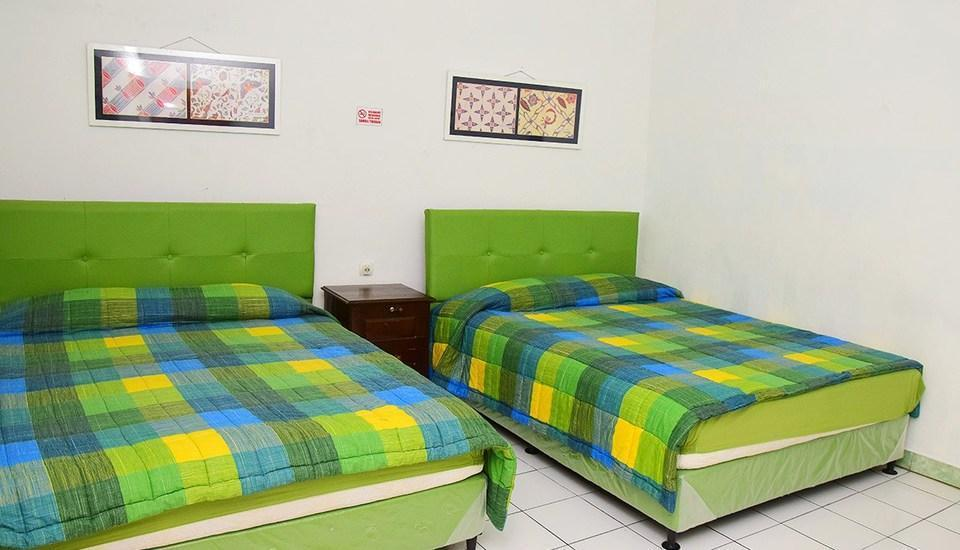 Hotel Suminar Garut - Deluxe Room With Breakfast Regular Plan