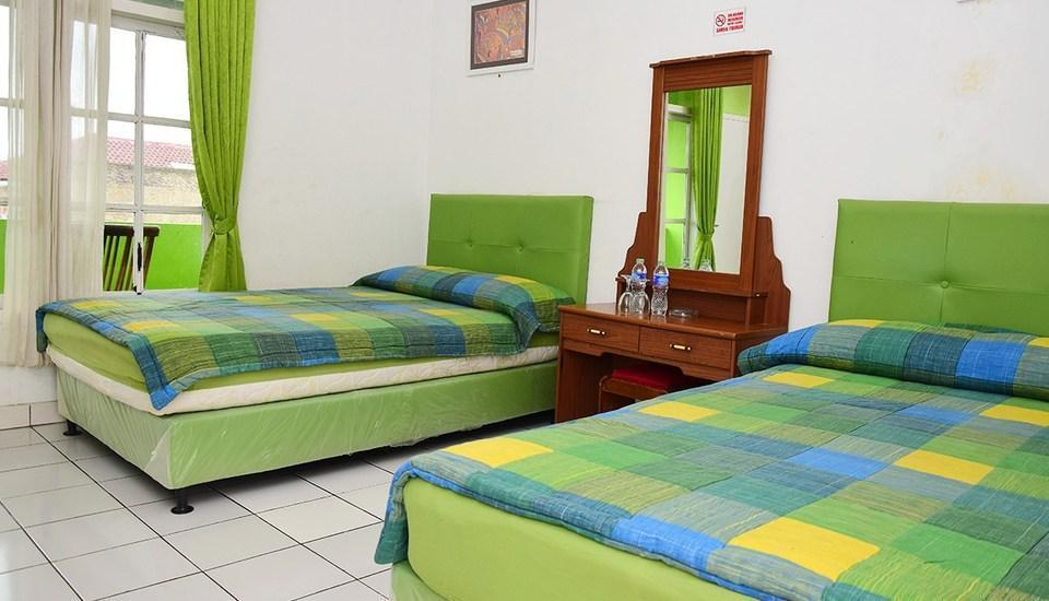 Hotel Suminar Garut - Superior Room With Breakfast Regular Plan