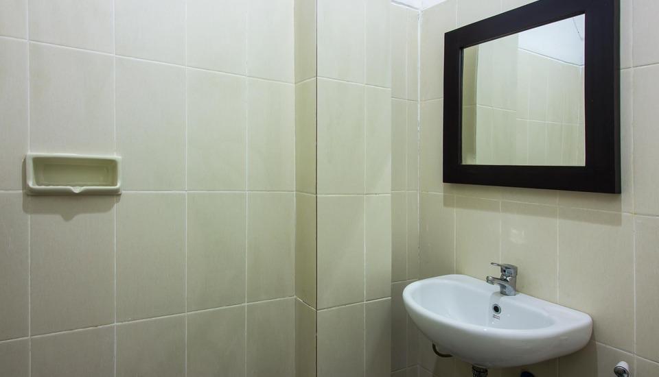 Kubu Andrey Rooms and Villas Seminyak - kamar mandi