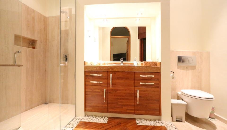 Urbanest Inn Villa Seminyak - Urbanest Inn Villa Bathroom