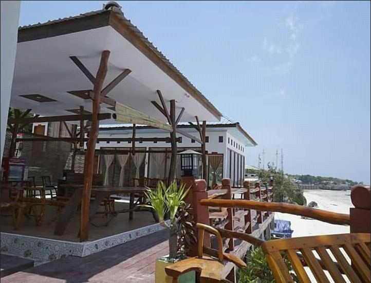 Hotel Bira Panda Beach 2 Bulukumba - Exterior