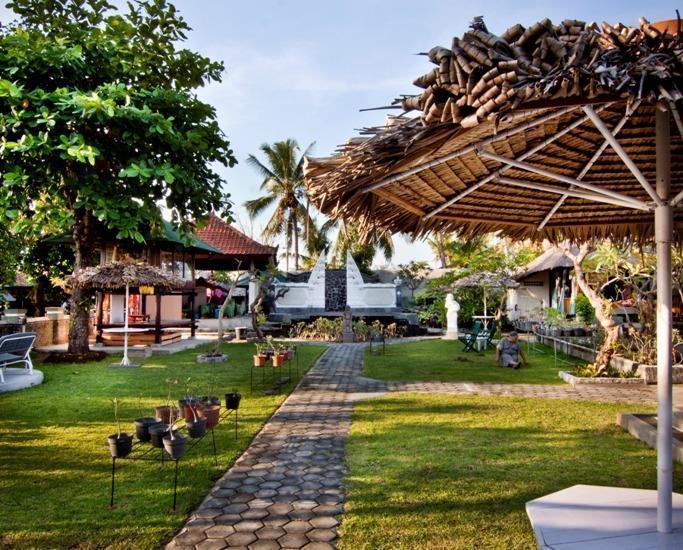 Bali Taman Lovina Resort Bali - Area Pesta Kebun dekat pantai dengan kapasitas 100 orang