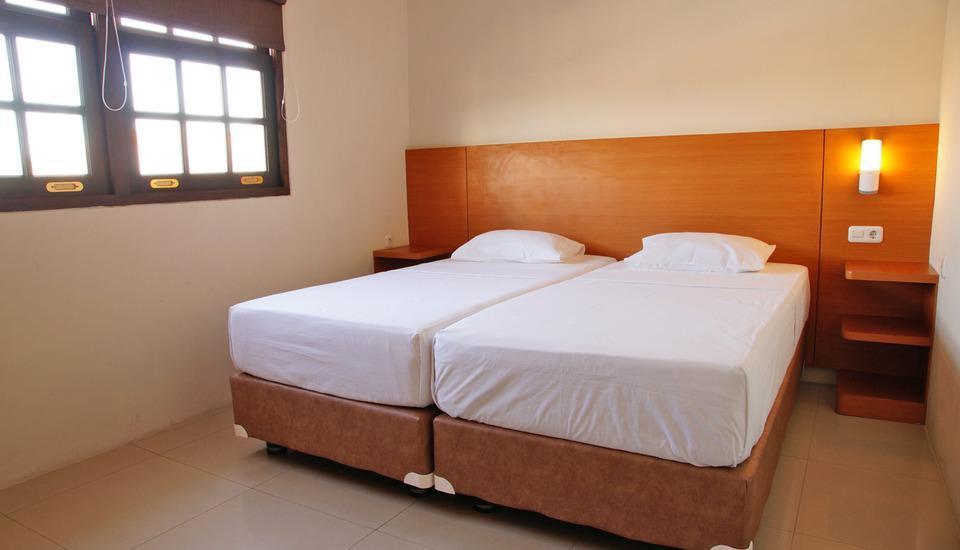RedDoorz @Kupang Baru Surabaya - Kamar tamu