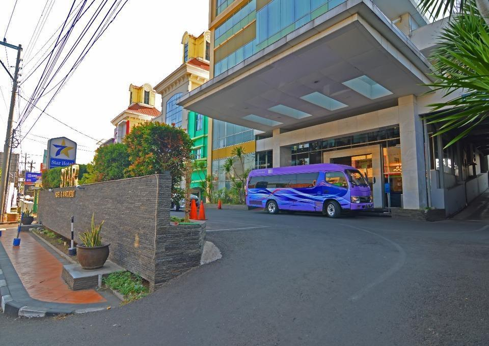 STAR Hotel Semarang - Lobby