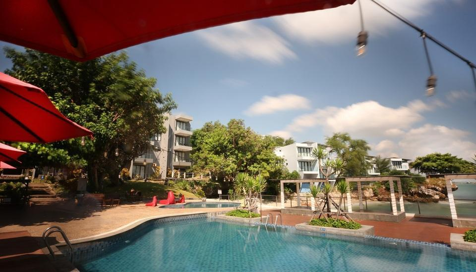 Tanjung Kodok Beach Resort Lamongan - Pool
