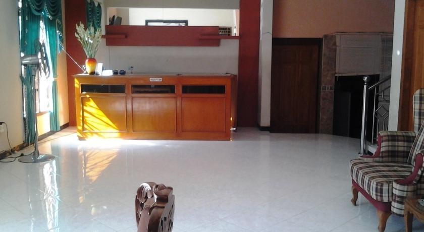 Tjahaja Baroe Homestay Surabaya - Living Rooms1