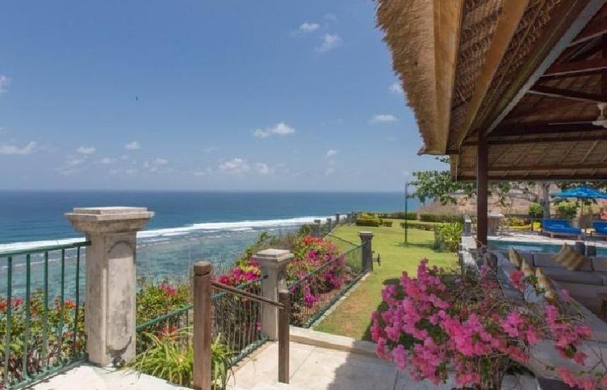 Villa Karang Putih Nagisa Bali - pemandangan sisi
