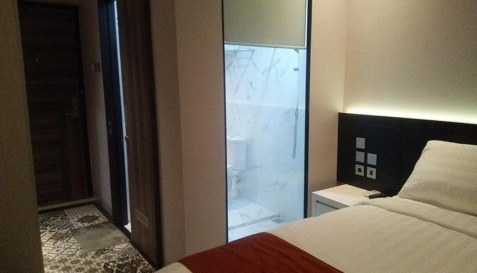 Front One Boutique Karawang Karawang - Guest room