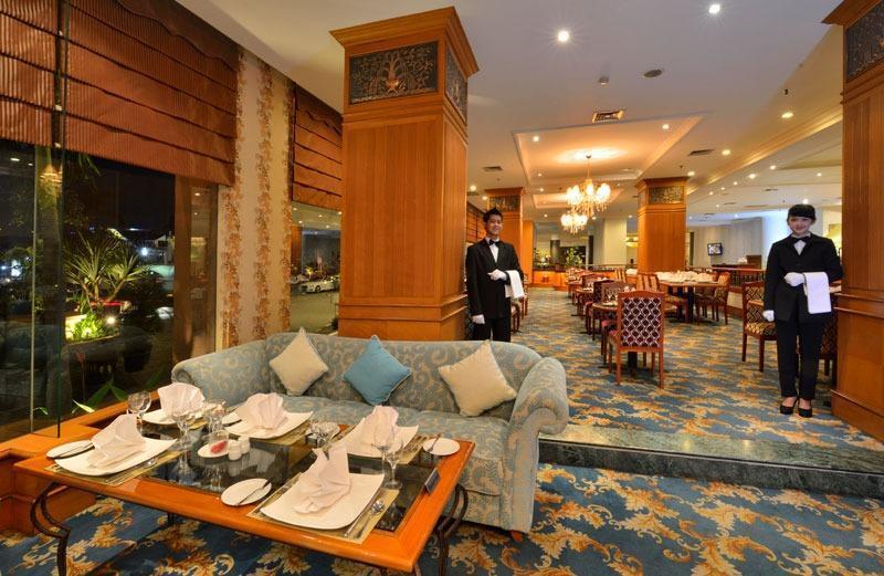 Grand Aquila Hotel Bandung - Restaurant
