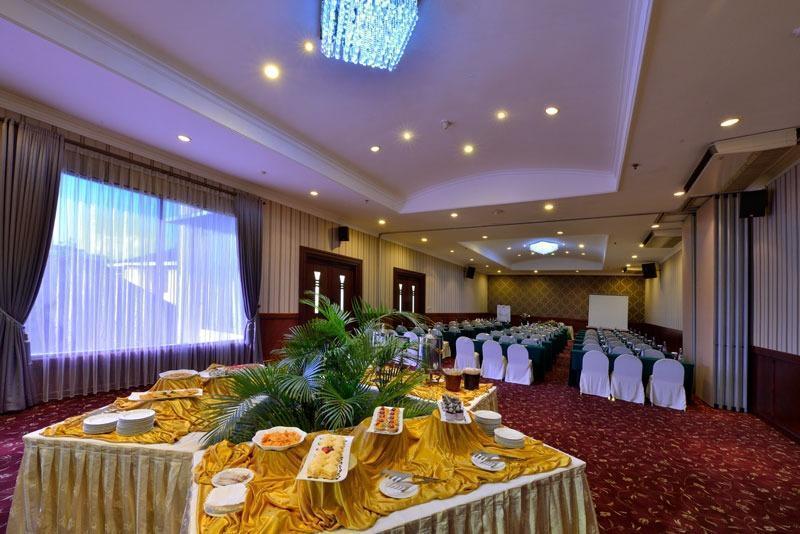 Grand Aquila Hotel Bandung - Meeting Room