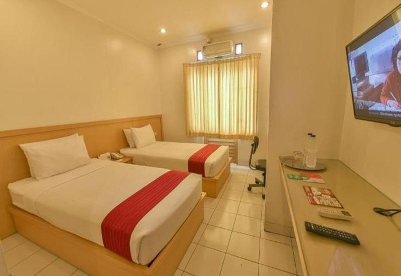 Cherry Homes  Bandung - Deluxe Room Regular Plan