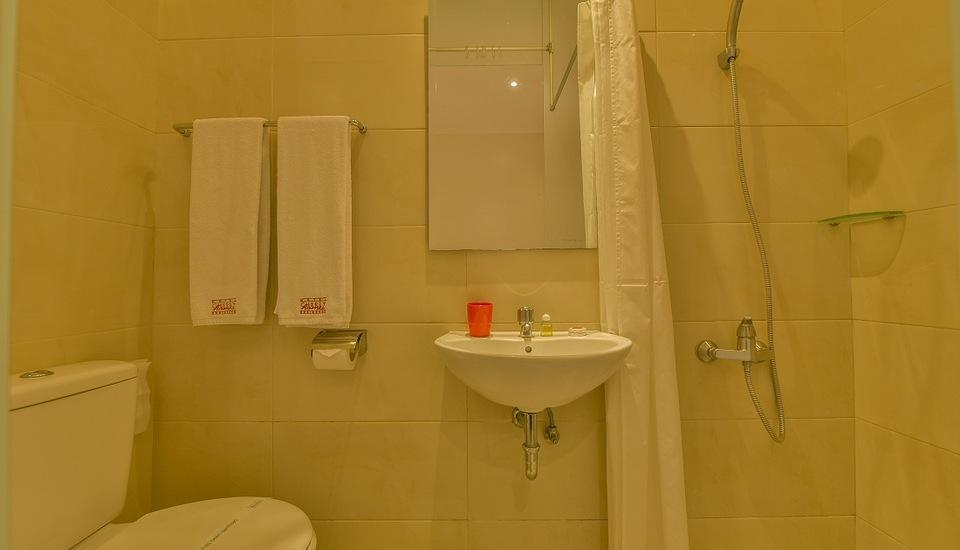 Cherry Homes  Bandung - Standard Bathroom