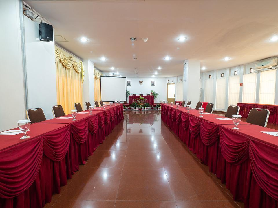 Cherry Homes  Bandung - MEETING ROOM
