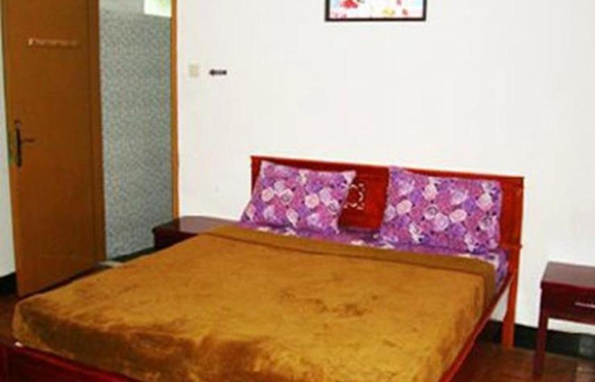 Seruni Guest House Lembang - Superior Deluxe Double Room Only Regular Plan