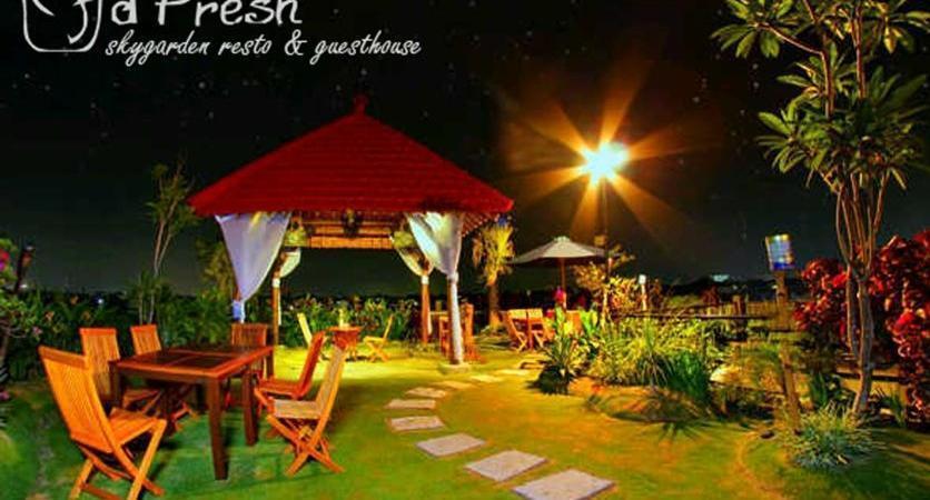DFresh Guest House Malang - Garden1