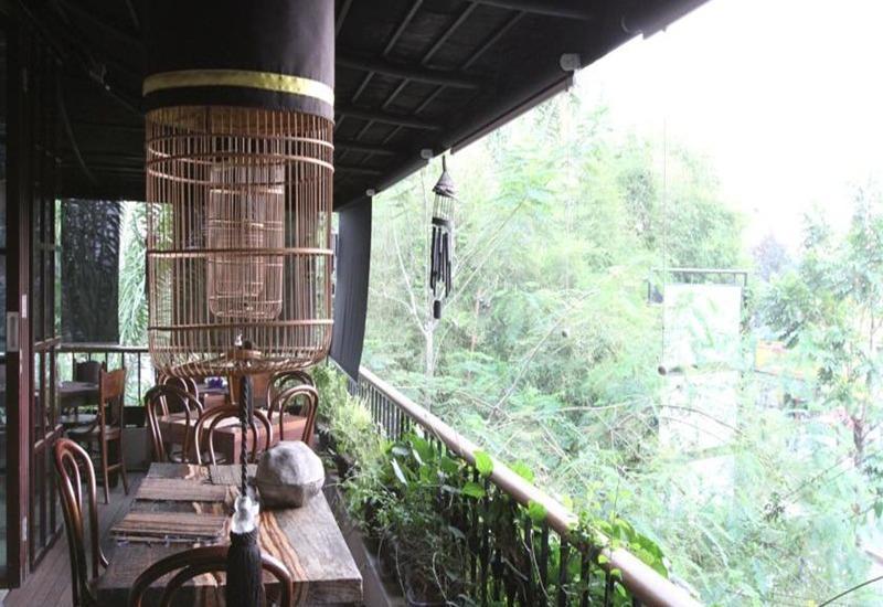 The Silk Hotel Bandung Bandung - Pemandangan