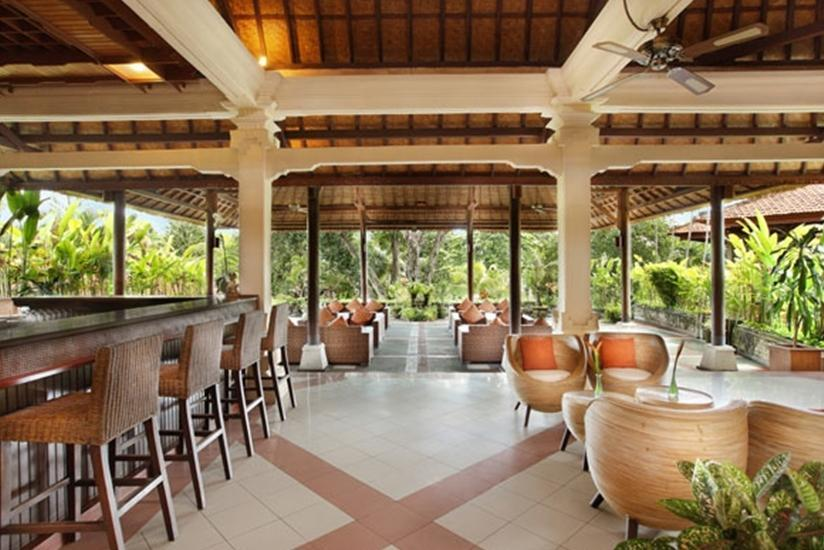 Bali Tropic Resort and Spa Bali - Teras Lobi