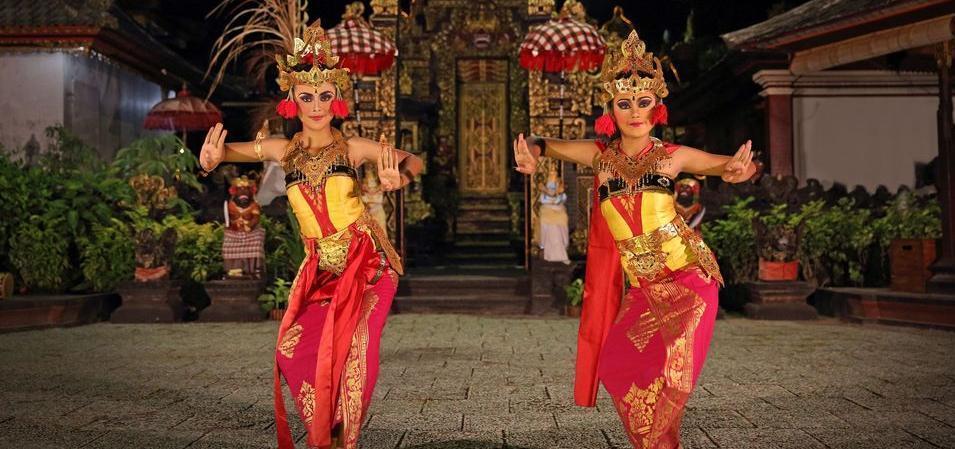 Bali Tropic Resort and Spa Bali - Tari Bali