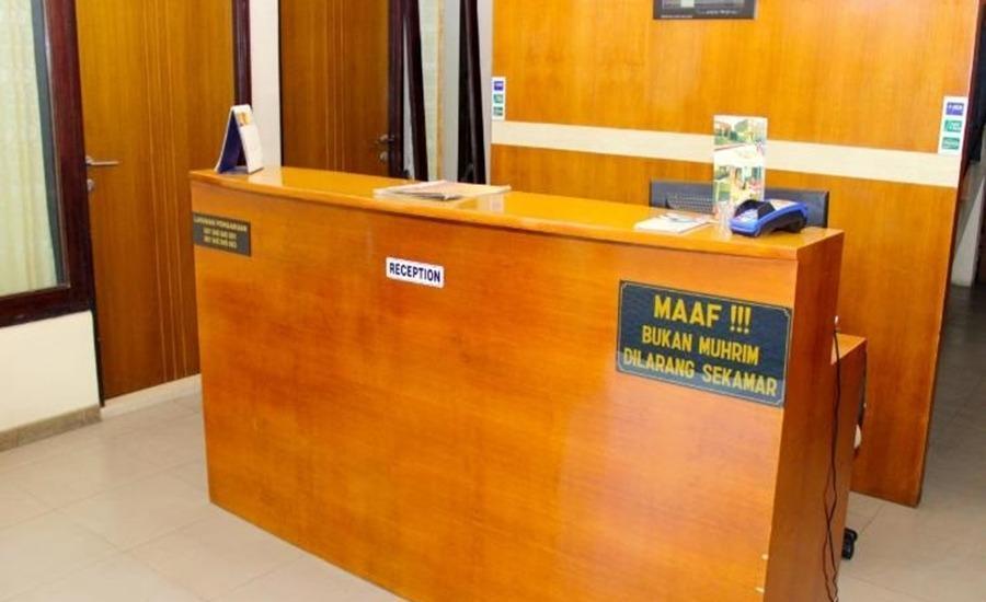 Nova Guest House Syariah Malang - Resepsionis