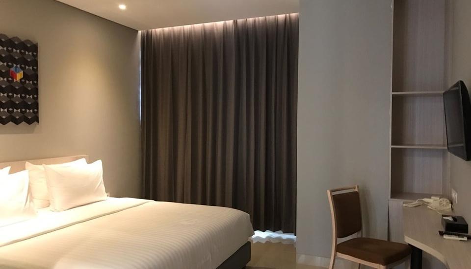 Celecton Blue Cikarang Bekasi - Deluxe King Room Only Regular Plan