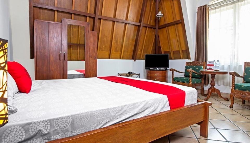 RedDoorz near Parahyangan University Bandung - Room
