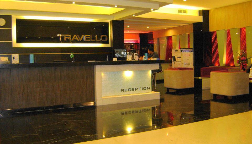 Travello Hotel Manado - Lobi
