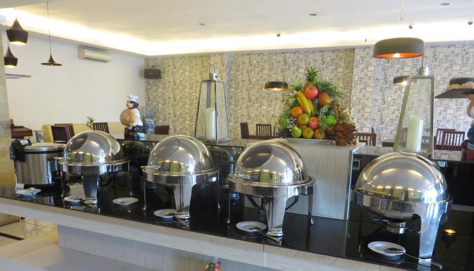 Insumo Palace Hotel & Resort Kediri - Prasmanan