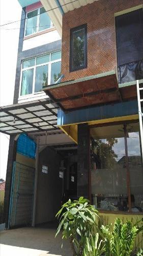 Sandila Guest House Bandung - Facade