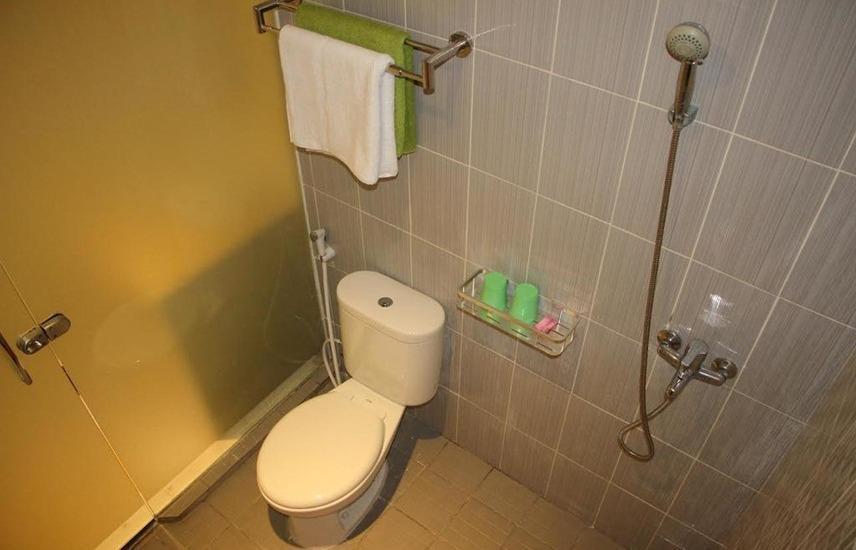 Hotel Puri Mas Banjarmasin - Bathroom