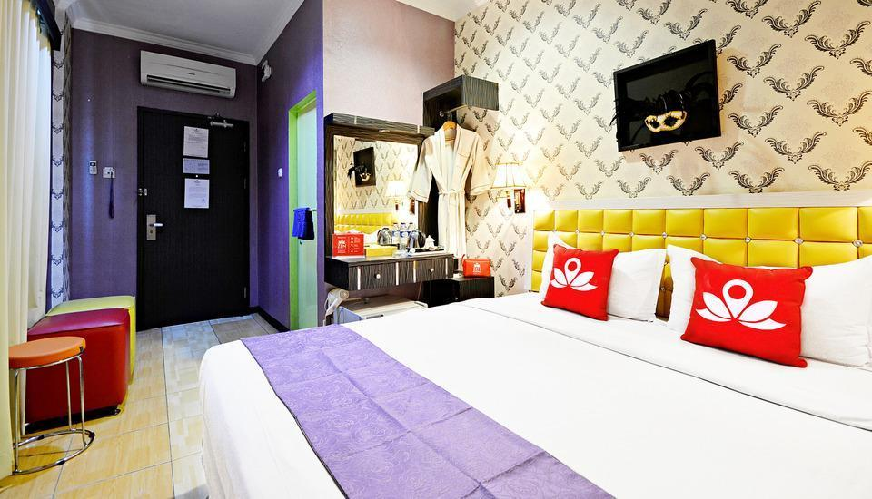 ZenRooms Hayam Wuruk Gajah Mada Jakarta - Double Room (Breakfast Included) Regular Plan